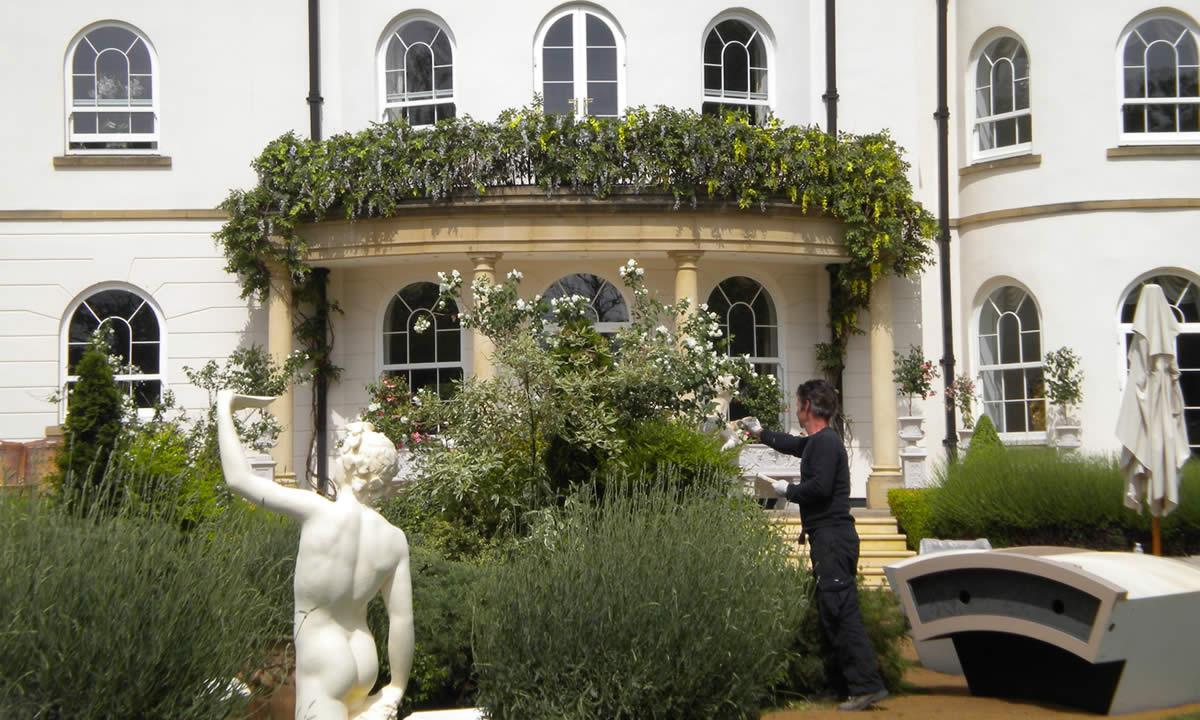 Italian garden party image 1
